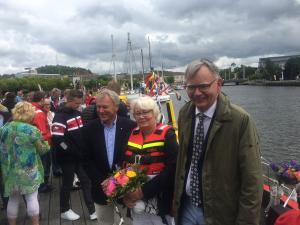 Rolf Westerström, VD i Sjöräddningssällskapet, båtens gudmor Marianne Thordén och Lars Bäckström, ordförande i Thordénstiftelsen